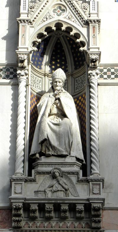 Statue in exterior of Duomo